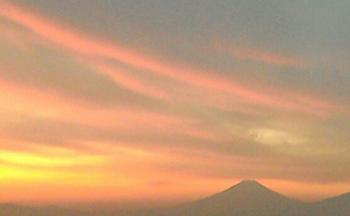 マリンタワーより富士山.png